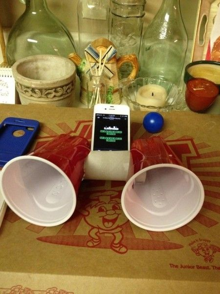 22-tech-hacks-amplify-the-sound-of-music-from-the-smartphone-450x600_08_01_2015