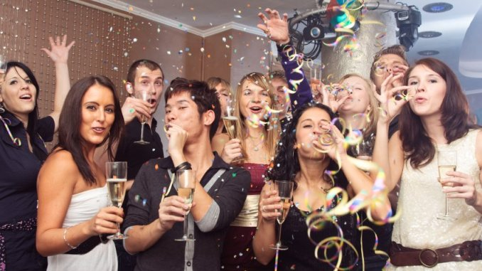 New Years Eve 2017 at Work – How to Rock Formal Attire!