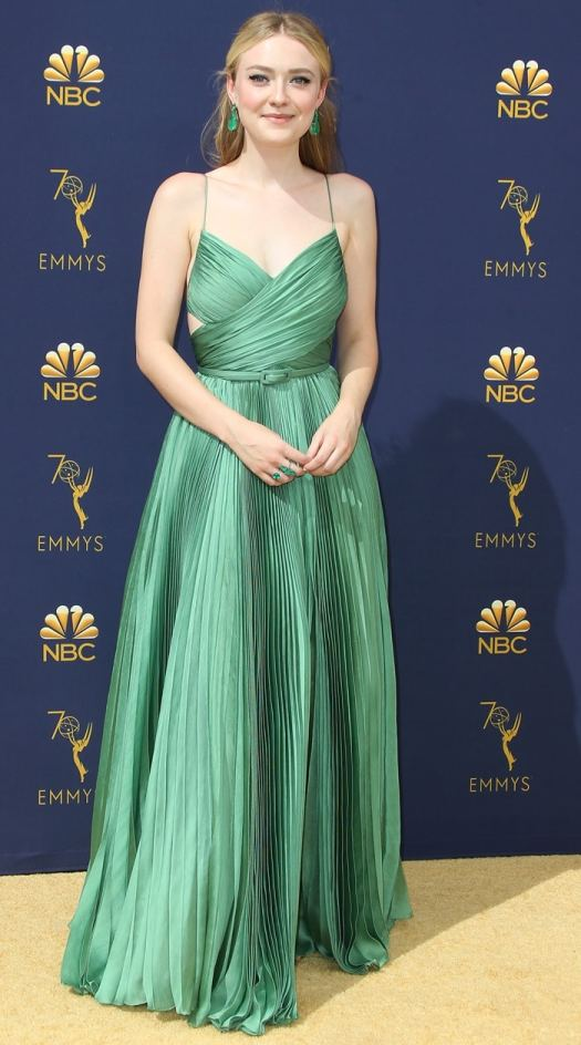 Dakota Fanning looked stunning in emerald green at the 2018 Emmy Awards