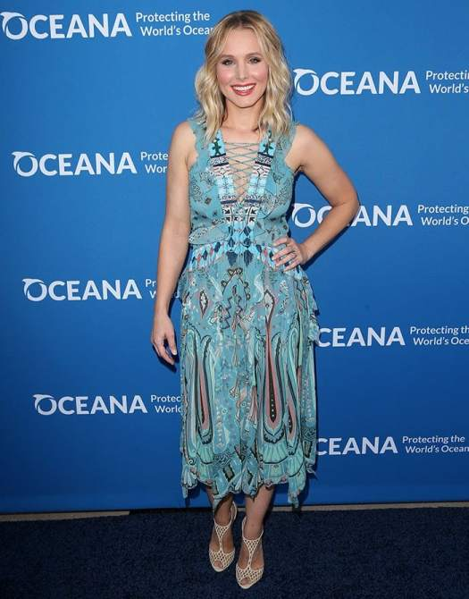 Kristen Bell shows off her oceanic-themed Etro sprint 2015 printed dress