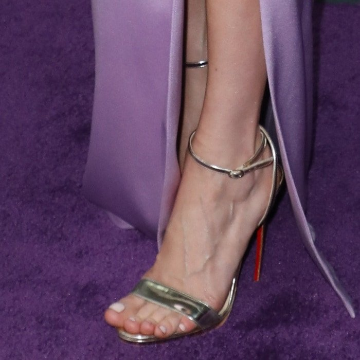 fa93f8b52b9 Brie Larson may have had her toes fixed for the movie premiere