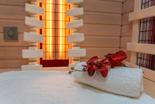 The Health Benefits of using an Infrared Sauna Vs. a Regular Sauna