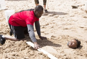 Ope takes the rare opportunity to bury his daughter Simi on Amazing Race Canada 3
