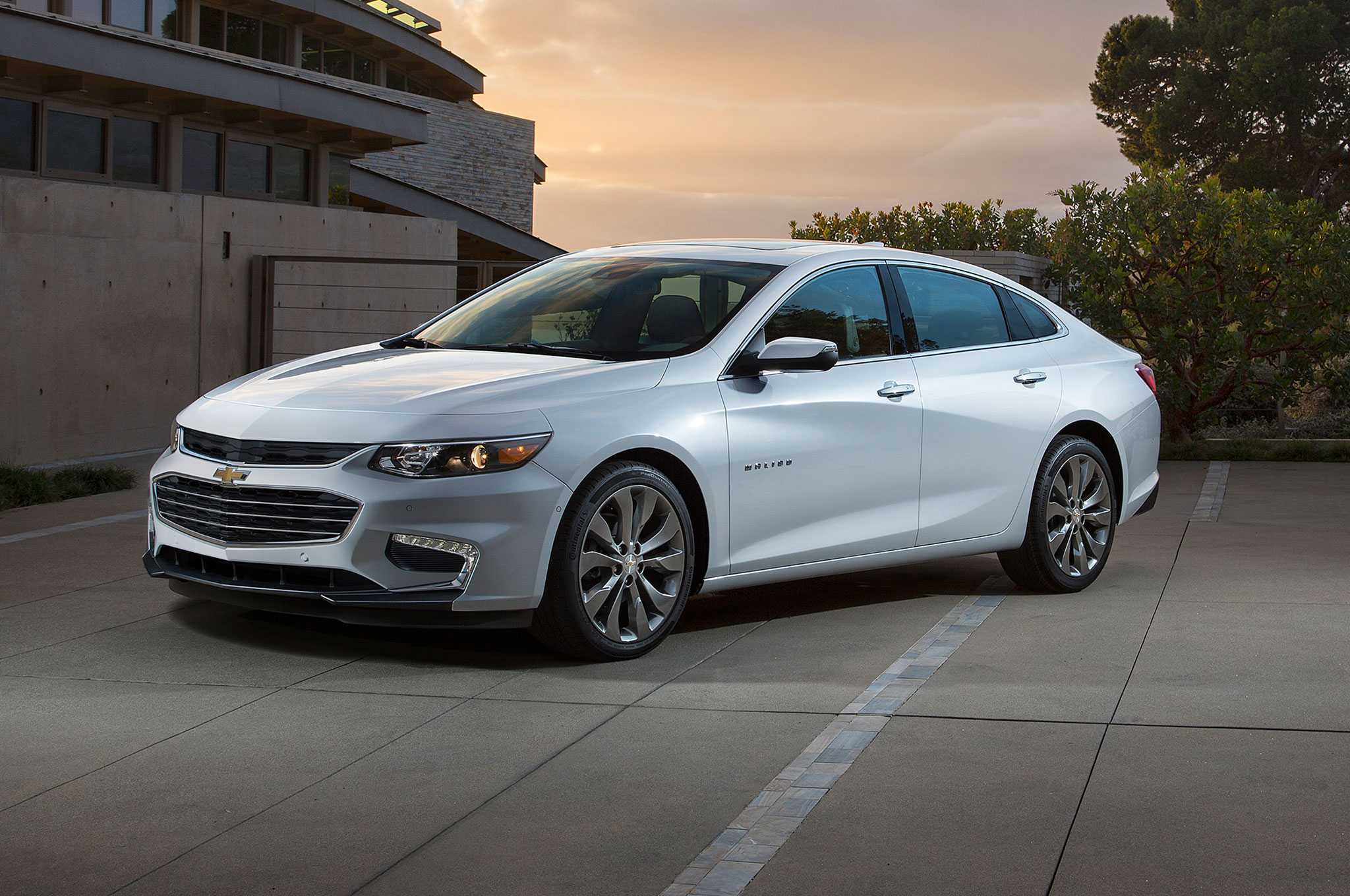 2016 Chevrolet Malibu Hybrid Gets an Official Price Tag