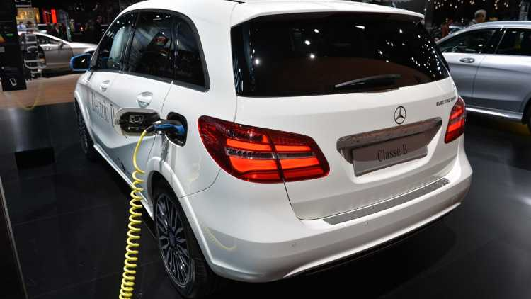 Mercedes-Benz-Electric-Vehicle