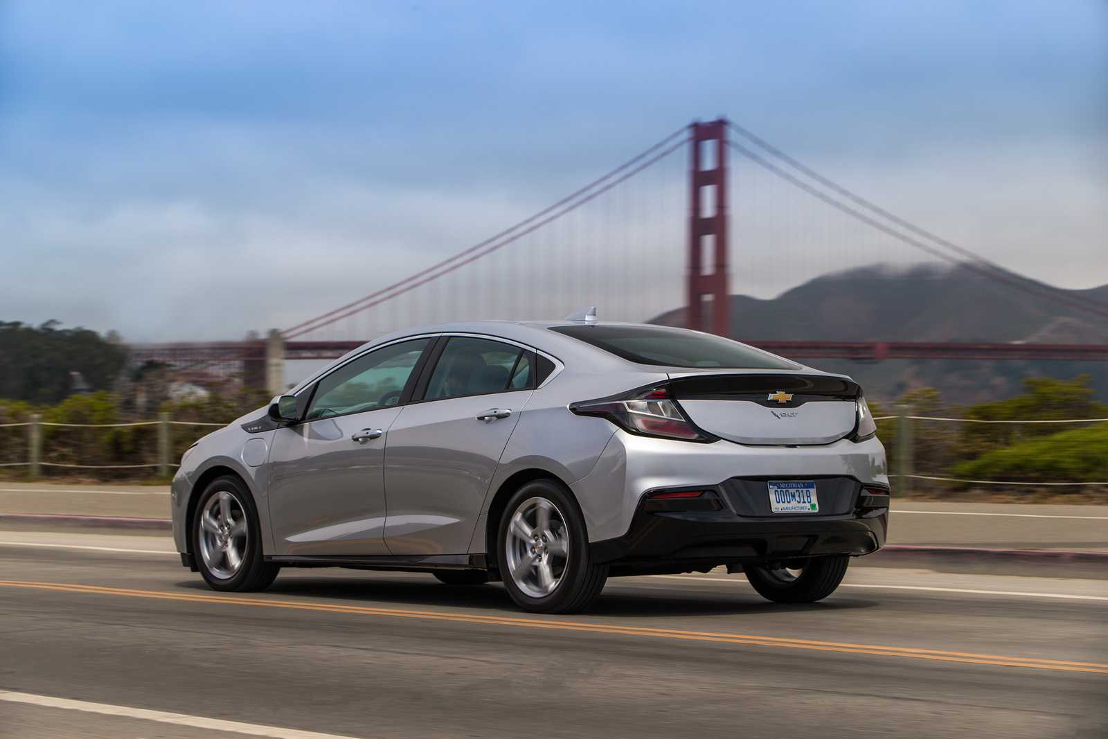 2016 Chevrolet Volt – New Photos Show the Plug-In Hybrid in its Full Glory