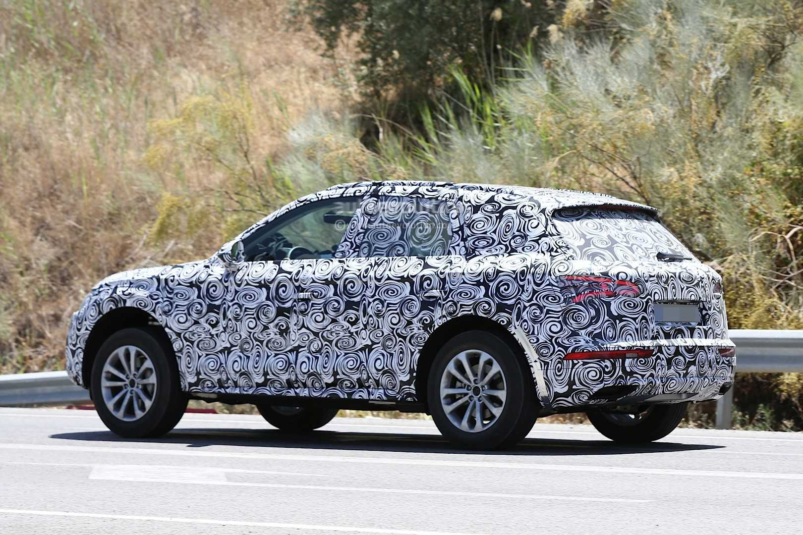 Spy Shots of 2017 Audi Q5 without Camouflage Emerge Online