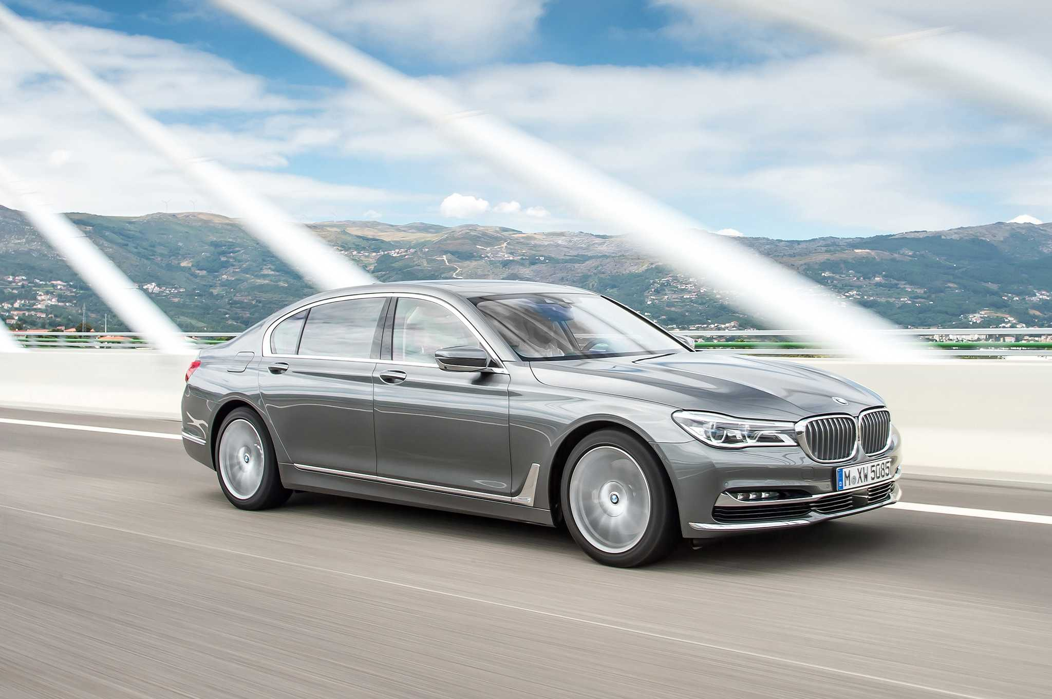 BMW750d Is Powered By Quad Turbo Diesel Engine
