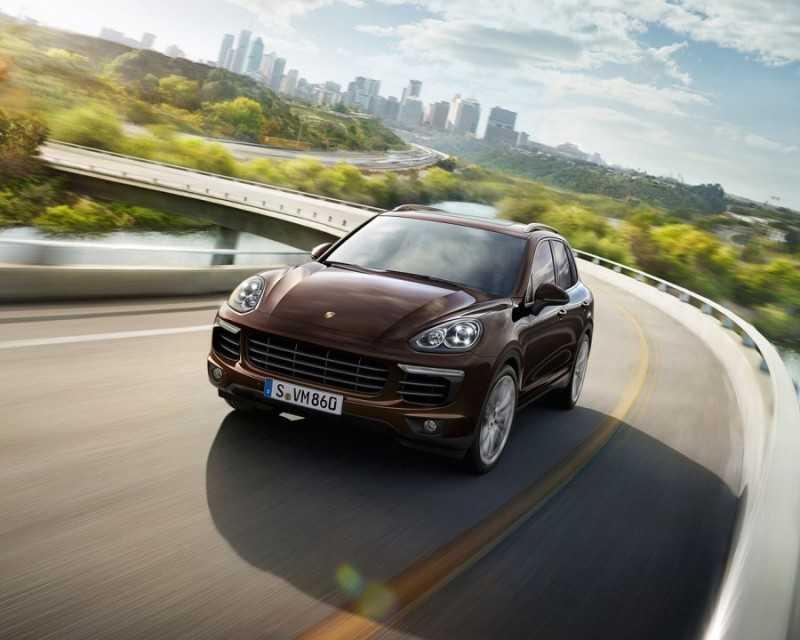 Porsche Launches New V8 Engine at Vienna Motor Symposium