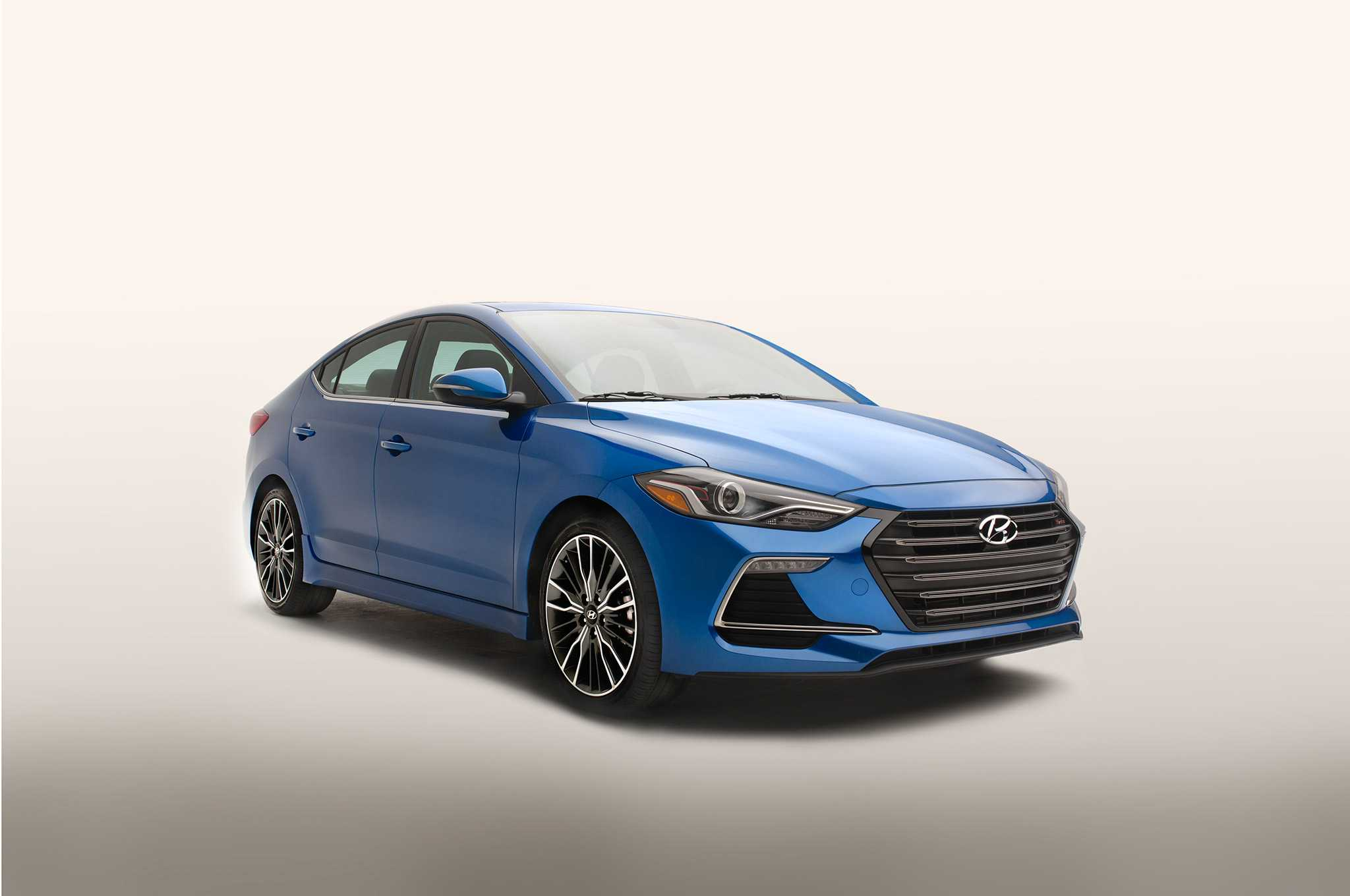 2017 Hyundai Elantra Lineup Expanded With Performance Driven Variants