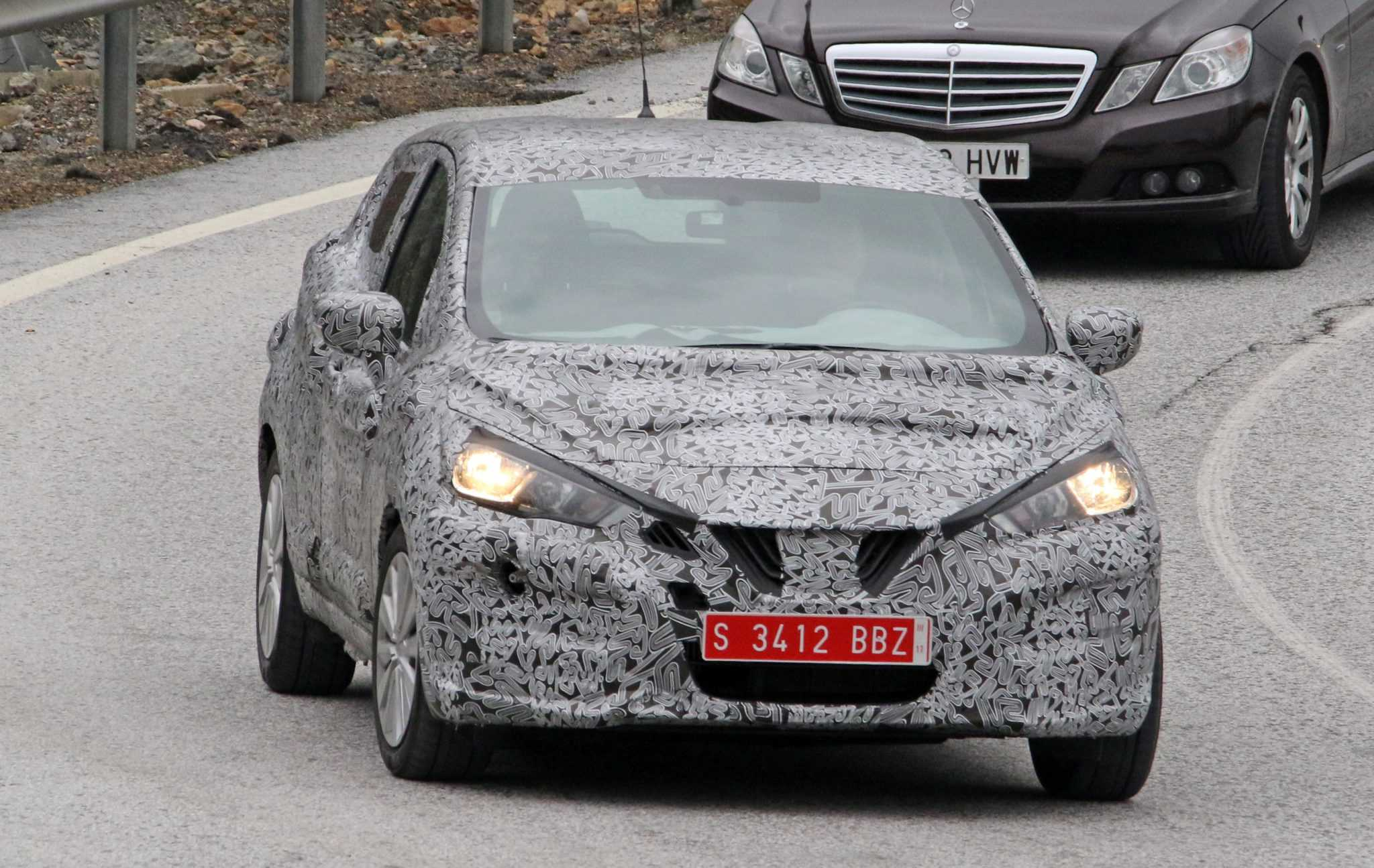 2017 Nissan Micra Undergoes Drastic Changes, Spy Shots Emerge