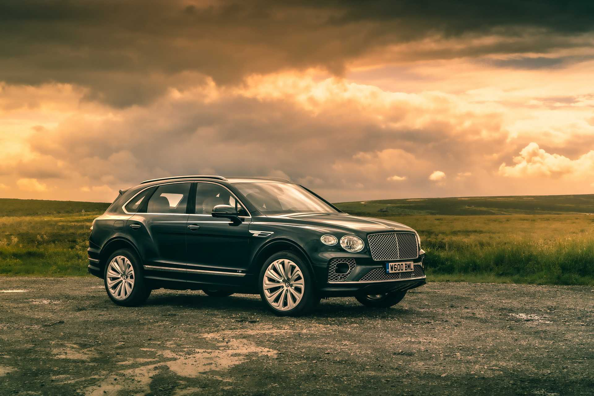 2021 Bentley Bentayga Pictures Reveal the Interiors of the Four Seater Variant