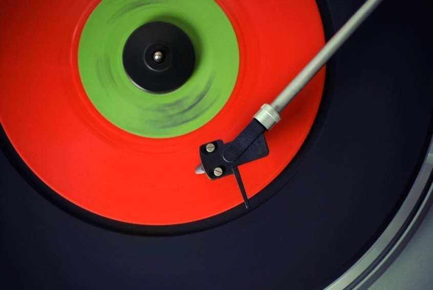 The Pros and Cons of Vinyl Records - Sound Matters