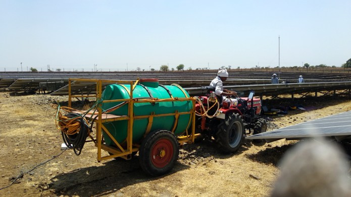 india solar power water cleaning tractor