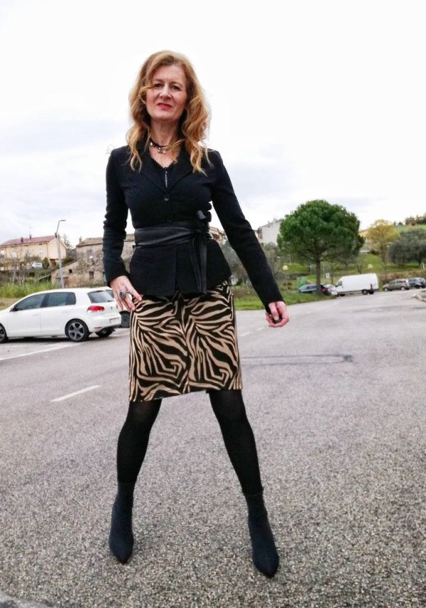 leo skirt and heel boots