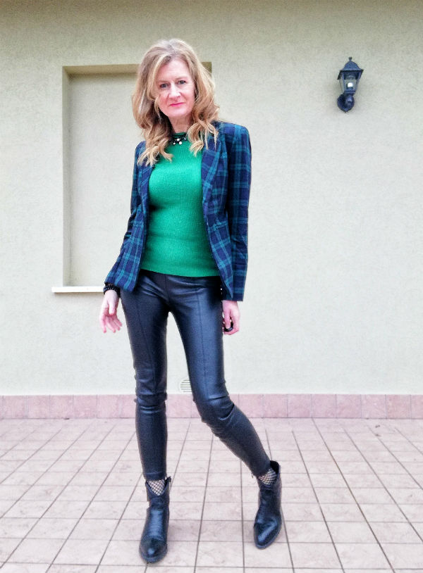 maglione verde e giacca