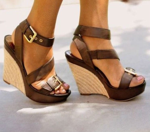 sandali in cuoio con zeppa