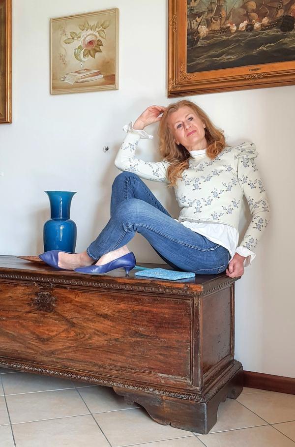 blue jeans e maglioncino
