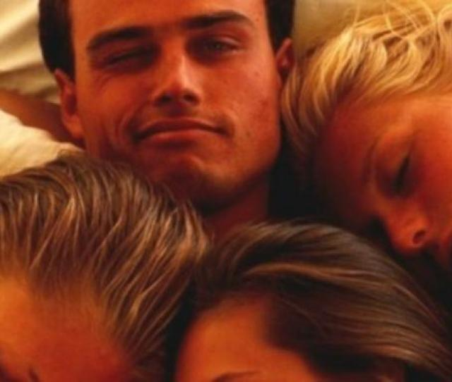 The Major Differences Between Polyamorous Relationships And The Swinger Lifestyle
