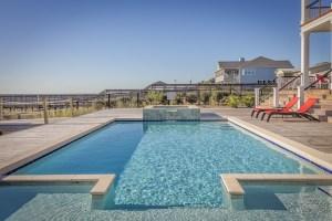 swimming-pool-389267_640