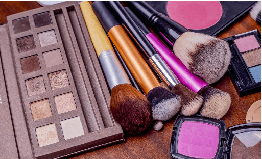 How Are You Storing Your Cosmetics?