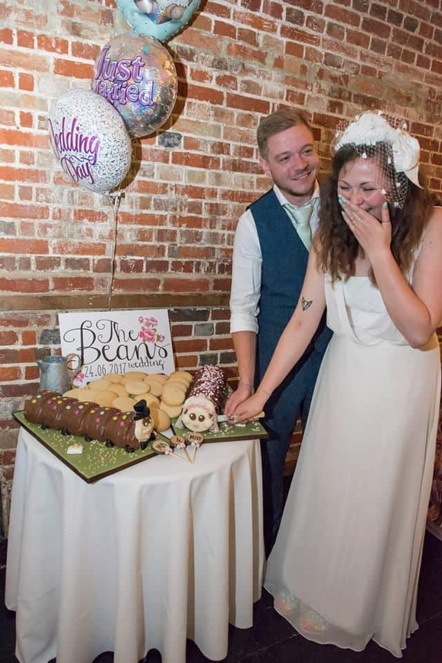 mr and mrs cake cutting