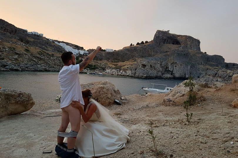 sex act wedding photos