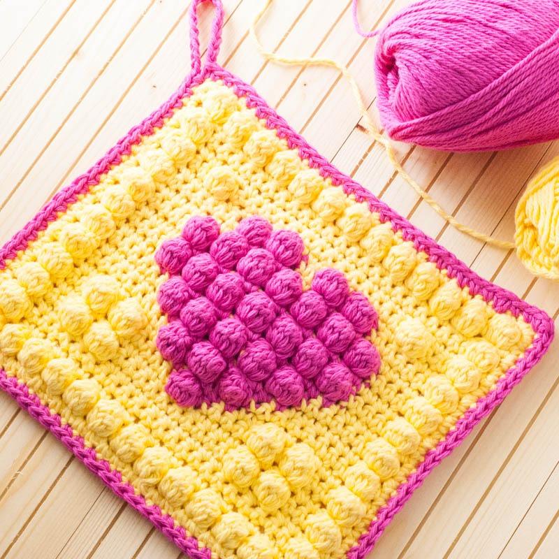 Crochet Bobble Heart Potholder   YouShouldCraft.com