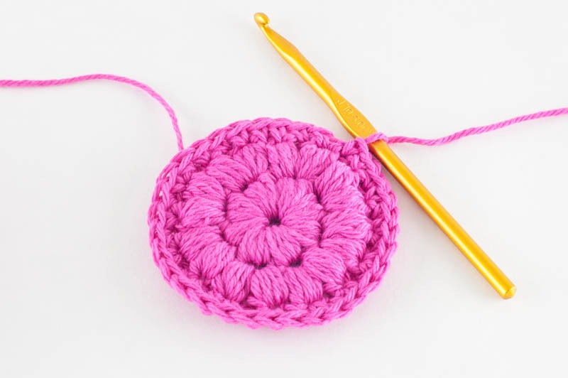 finsihed cotton face scrubby, ready to trim yarn and weave in ends