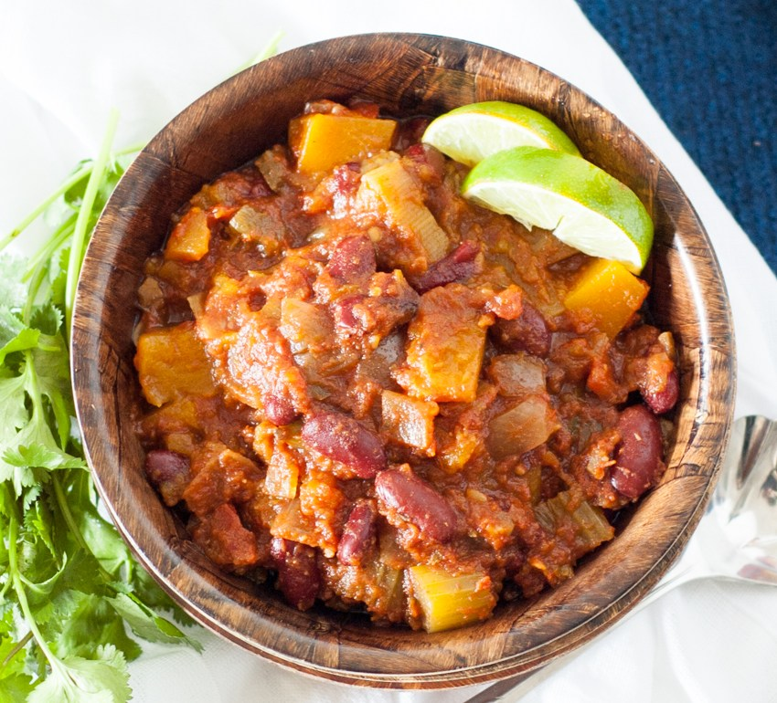Slowcooker Butternut Squash Chili - 2 Ways (either Vegan/Vegetarian or Paleo/Whole30)| YouShouldCraft.com