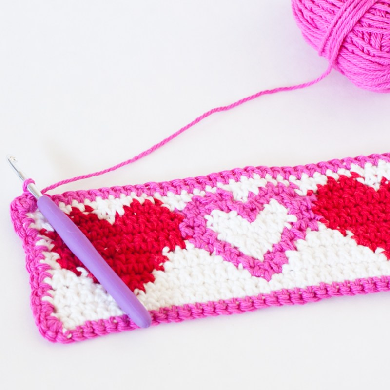 Tapestry Heart Cup Cozy | YouShouldCraft.com #crochet