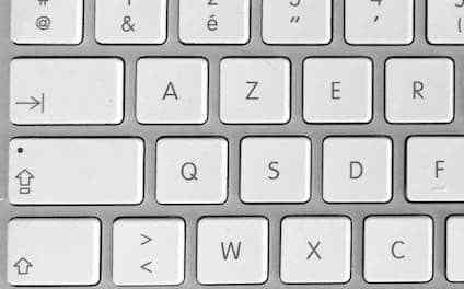 Raccourci clavier Mac pour invoquer le correcteur orthographique