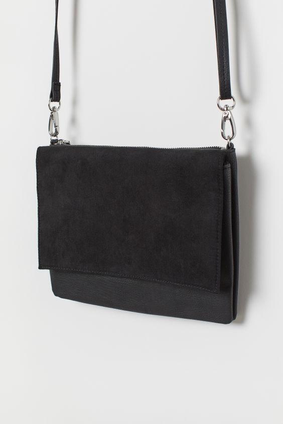 H&M μικρή μαύρη τσάντα ώμου