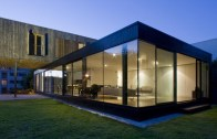 cantilevered-french-house-desi