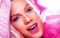 Pink'ten Muhteşem Karizma Video Klip!