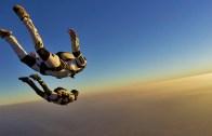 25000 Feet Yükseklikten Paraşütsüz Atlamak!