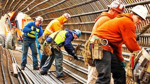 kazadan kıl payı kurtulan şanslı işçiler