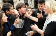 Futbol Starı Messi Halkın Arasında