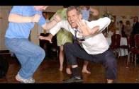 Bu İnsanlar Dans Edemiyor Gibi Görünüyor
