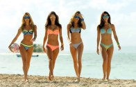 Victoria's Secret Güzellerinden Muhteşem Bikini Reklamı