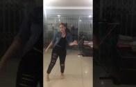 Baba Kız Dans Keyfi Ama Kızın Haberi Yok