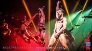 Broadway'de Dudak Uçuklatan Striptiz Şov