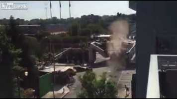 Böyle Kaza Görülmedi! Köprü Yıkan Çöp Kamyonu