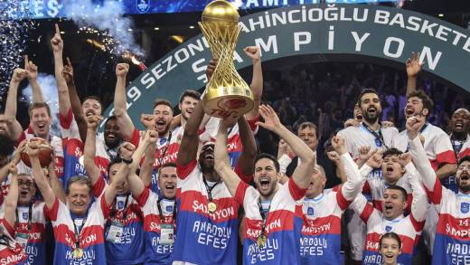Anadolu Efes şampiyonluk maçı özeti