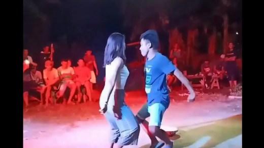 Filipinlerde çılgınlarcasına dans eden adam