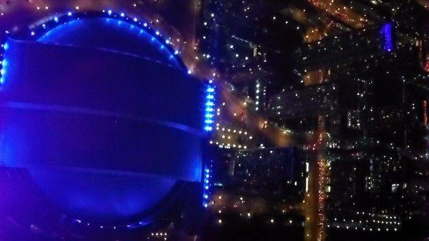 Je conseille de visiter la tour CN de nuit vous allez voir les couleurs magnifiquesde Toronto photo voyage tour du monde http://yoytourdumonde.fr
