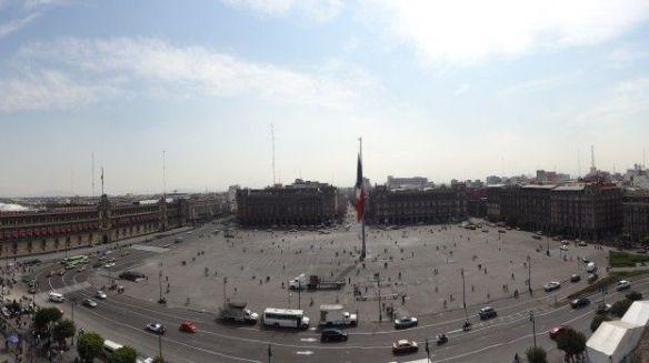 Mexique- Mexico City: Vue d'ensemble du Zocalo, prise du toit de la cathédrale.