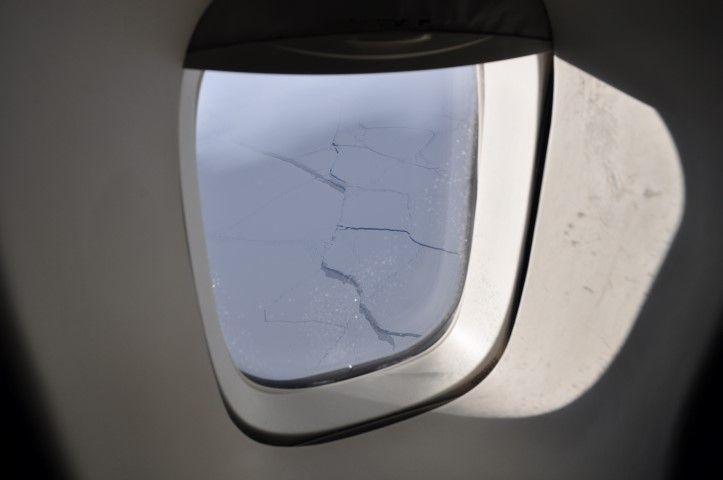 Tour du monde- La terre vue du ciel: La calotte glaciere vue du hublot!