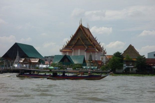 fleuve-bangkok-temple-bouddisme