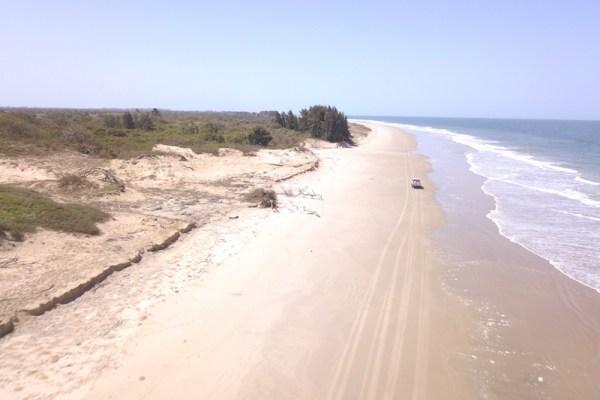 Plage de Casamance entre Cap-Skirring et Diembering photo blog voyage tour du monde http://yoytourdumonde.fr